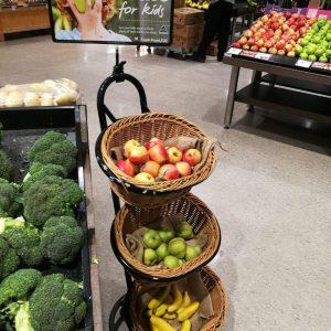 فروشگاهی در استرالیا که بچه ها میتونن مجانی میوه بخورن