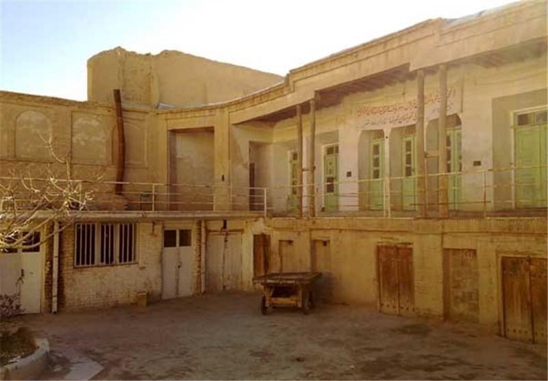 کاروانسرای بازار قدیم دزفول مرمت میشود