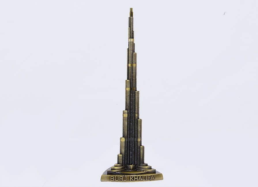 مجسمه برج خلیفه برای سوغات در دبی